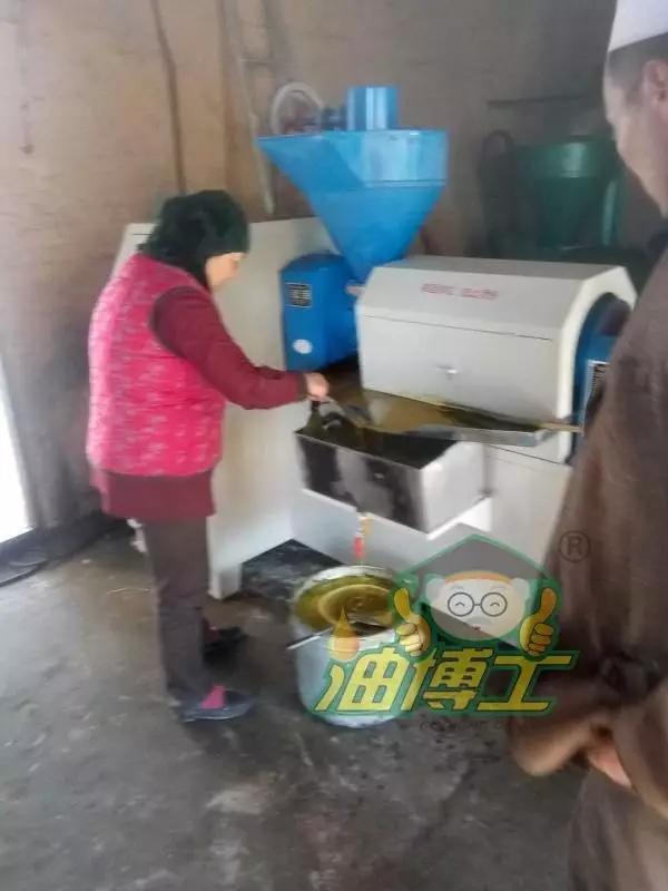 油博士榨油坊创业记——甘肃回族大哥购买油博士榨油机