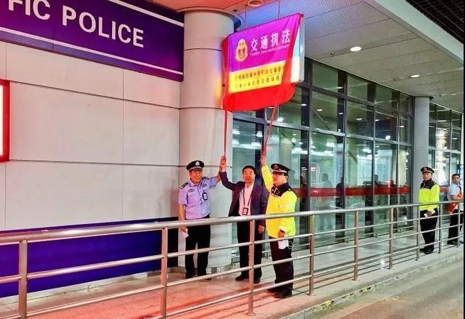 剑指黑车拉客!兰州乐虎国际娱乐app在中川机场设立运管执勤点