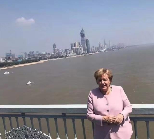雷电竞靠谱吗物业携手长航实业共同描绘汉口滨江第一高楼——武汉长江航运中心未来蓝图