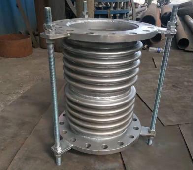 影响不锈钢波纹补偿器在管道工作中使用寿命的原因