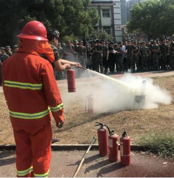 我院开展2019级新生消防演练活动