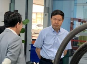 大连市副市长张志宏一行莅临kok体育官方链接科技考察参观--
