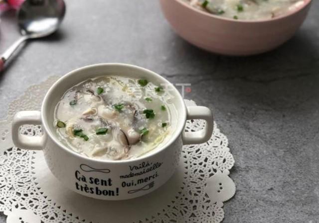 香菇鸡肉粥,菌类和肉类的完美结合,口味鲜香