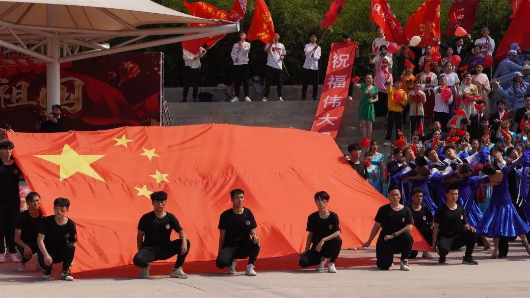 """北京演艺专修学院""""我和我的祖国""""千人大合唱活动精彩回顾"""