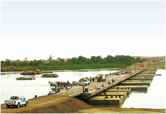 苏丹552米罗赛雷斯分置式浮桥(ROSERIS BRIDGE)
