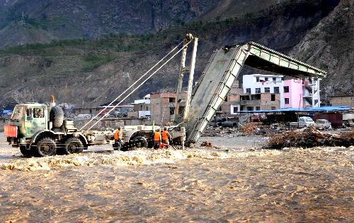 华舟重工应急机械化在舟曲泥石流中发挥重要作用