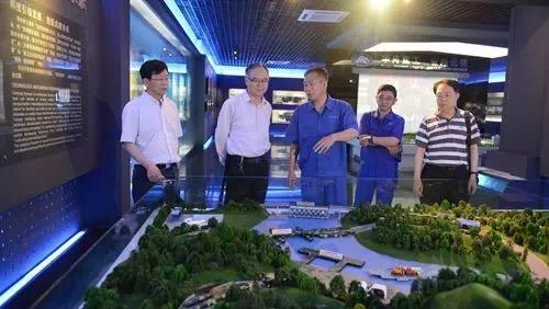 武汉船舶工业公司总经理周平到华舟重工检查指导工作
