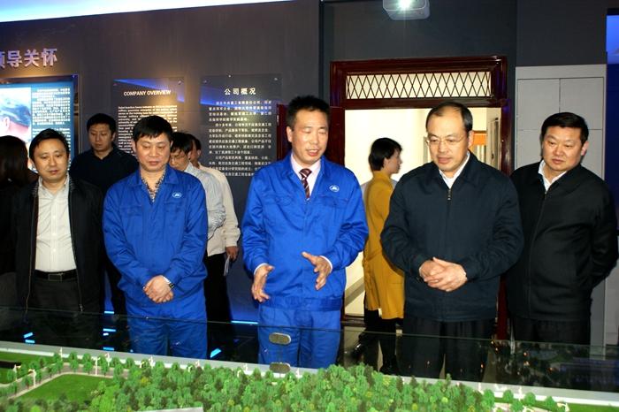武汉市委书记阮成发到华舟重工检查指导工作