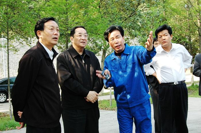 时任湖北省委书记俞正声视察华舟重工