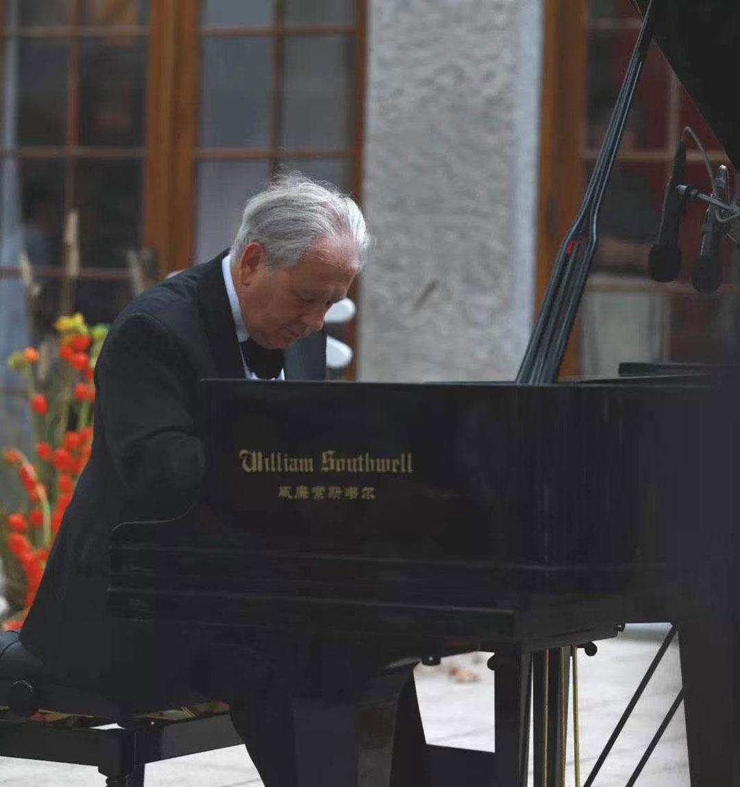 波兰克拉科夫音乐学院钢琴系系主任Andrzej Pikul教授音乐会