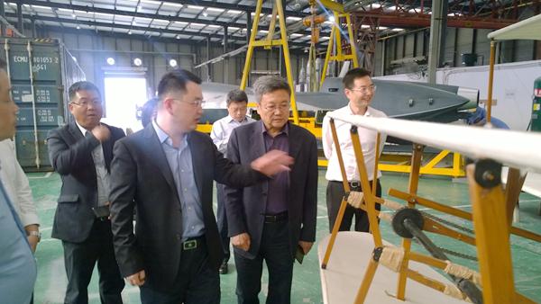 成都产业投资集团董事长石磊莅临考察航誉科技