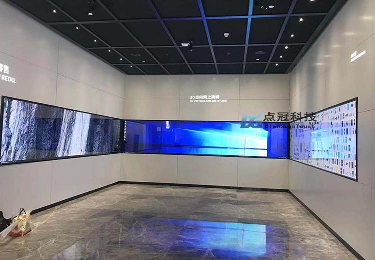 深圳创意园展厅五套液晶拼接加装红外触摸互动功能