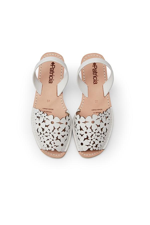 立体花朵牛皮坡跟西班牙岛鞋
