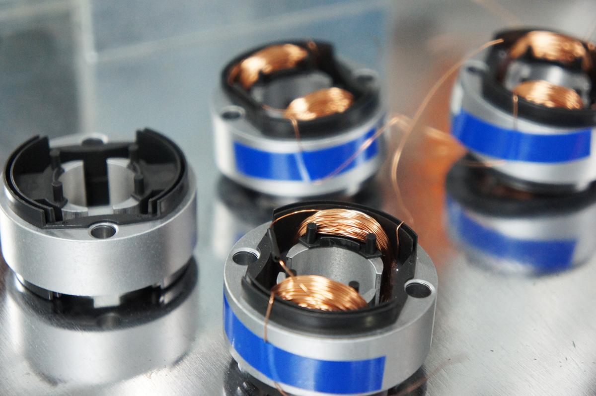 宗泰SDKR-0632双向旋转电磁铁加工现场跟踪