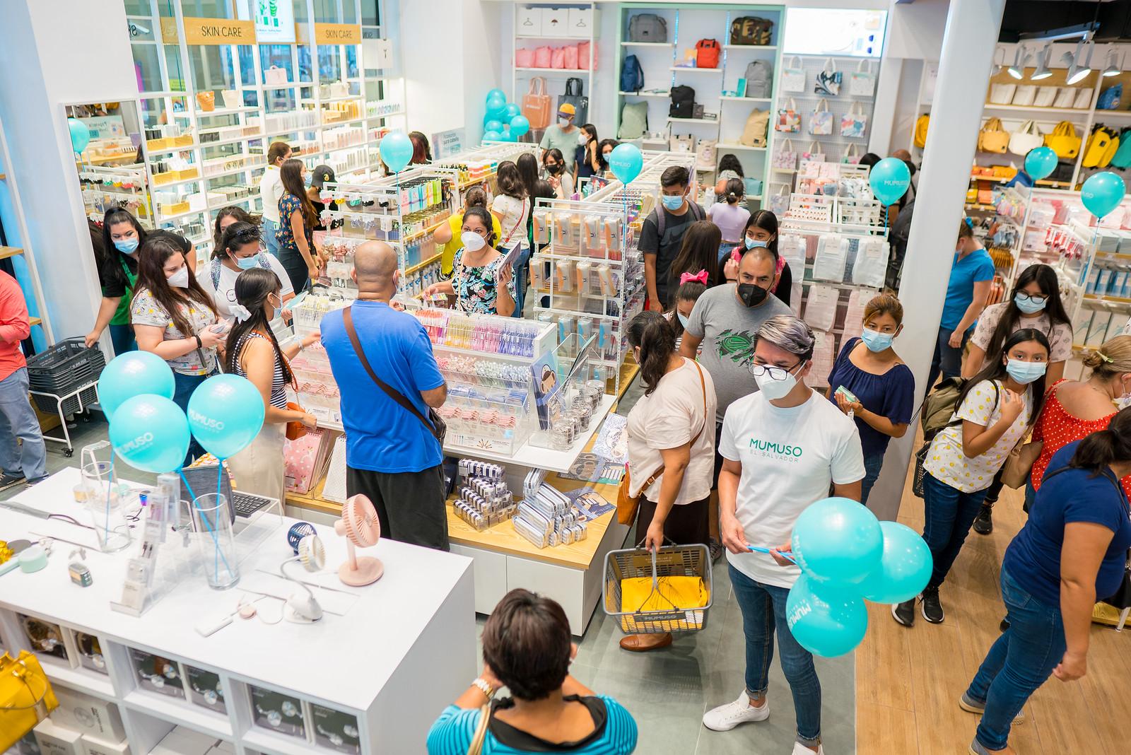 El Salvador New Store Grant Opening