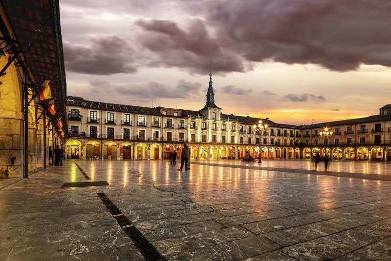 热情向左, 浪漫向右--西班牙旅行分享会 (厦门站)
