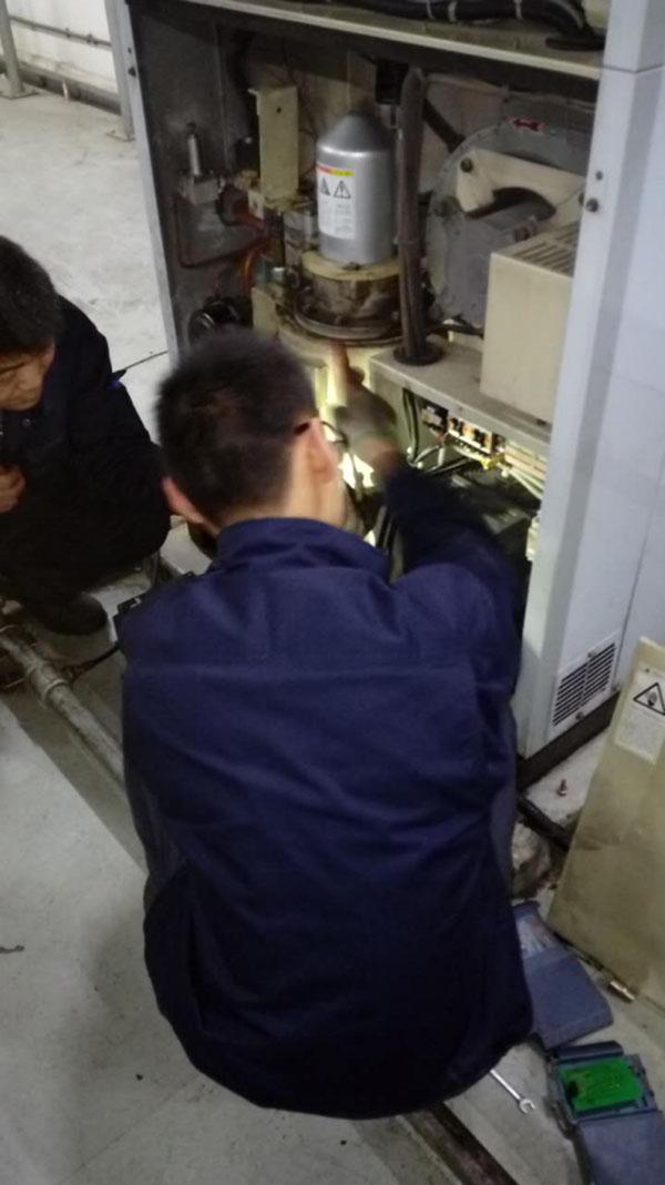 寧波阿爾卑斯電子公司 空壓機臺保養
