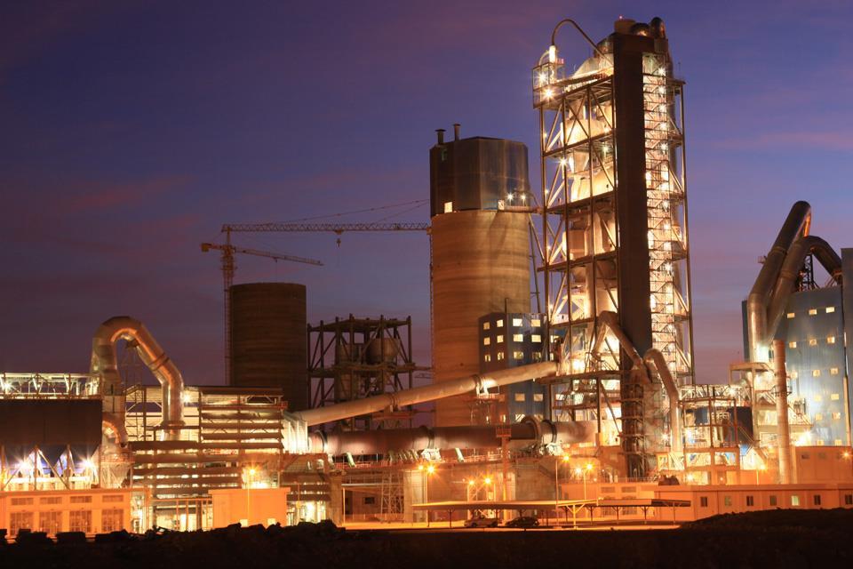 沙特利雅得5000t/d熟料生产线承包项目