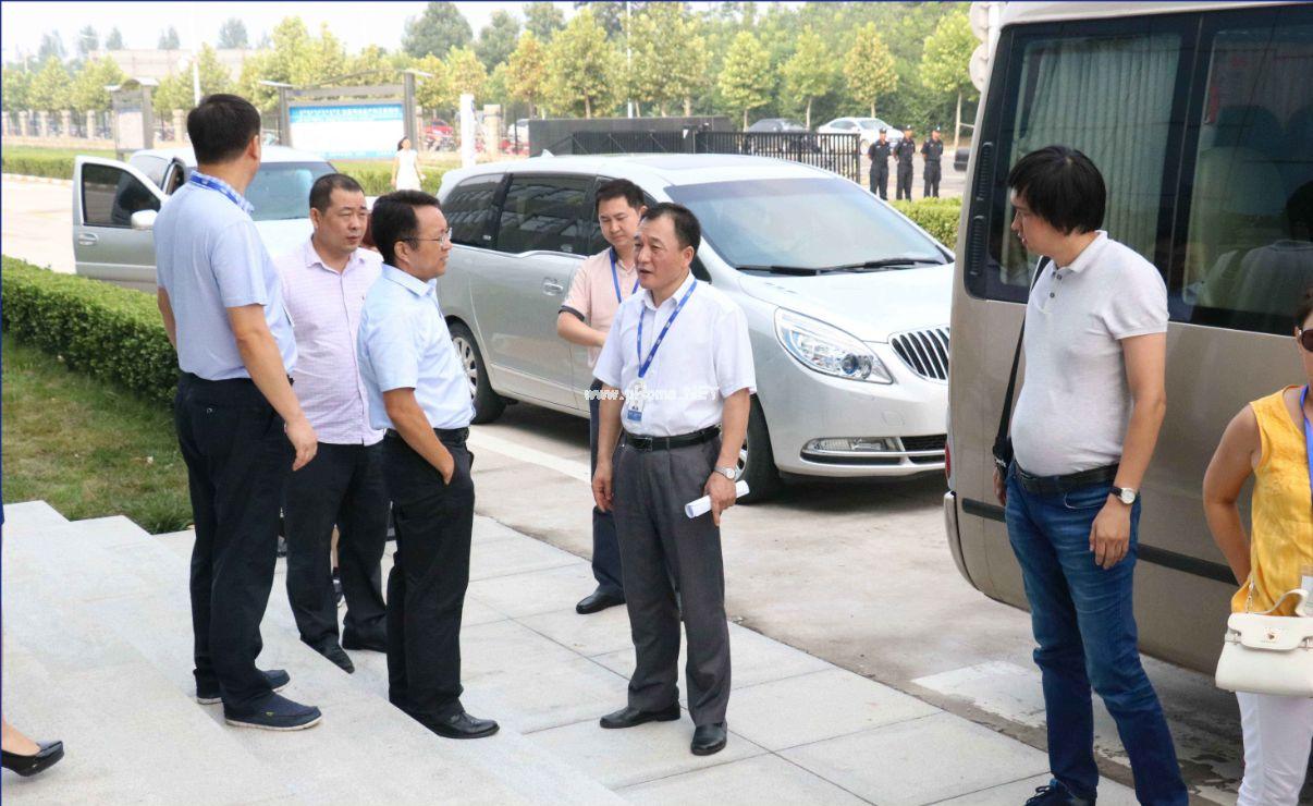 哈萨克斯坦媒体团:希望在本国看到花花牛
