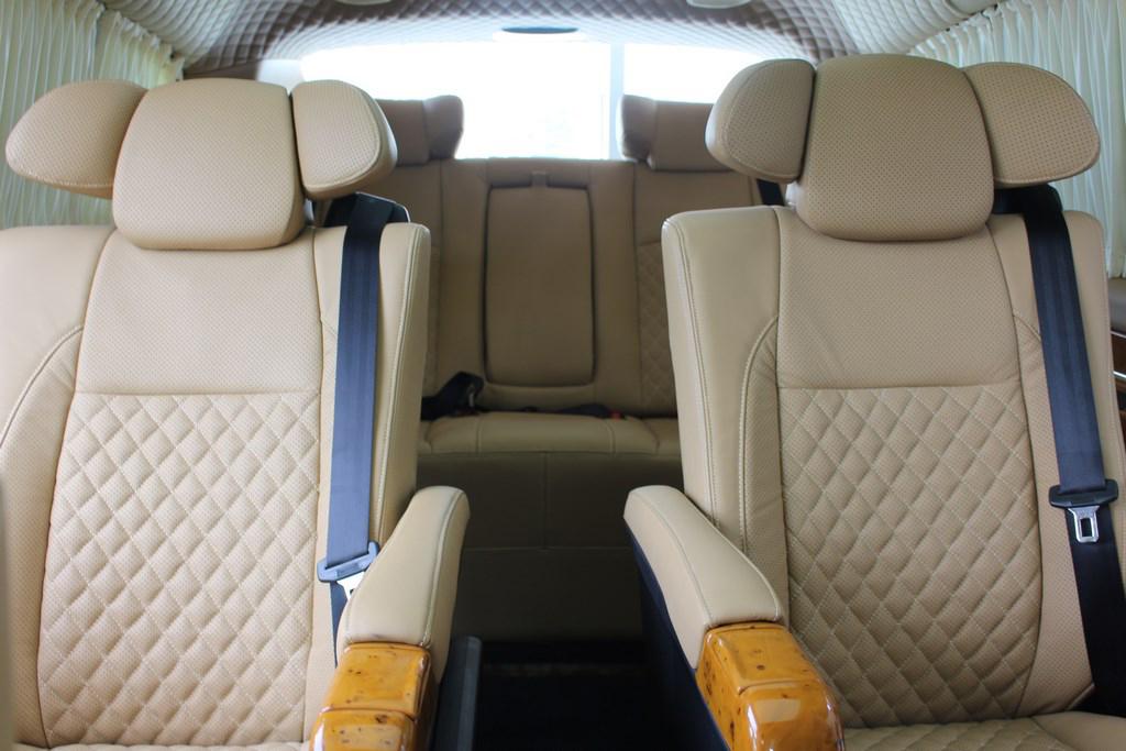 奔驰 | V-class长轴7座新款商务房车