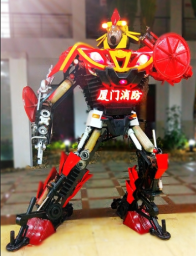 废件再利用 厦门消防成功制作消防机器人模型