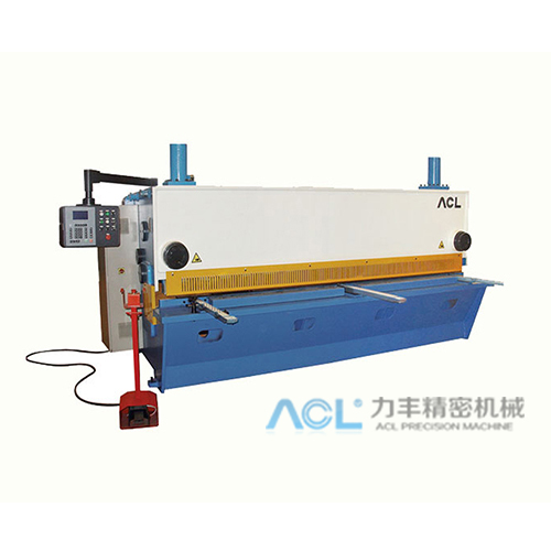 Q11K液压闸式数控剪板机(6-32mm)