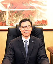 He Baiqing (Assistant Director of Management Committee of YUEXIU Group , Deputy Secretary of the Party Committee ,Deputy Chairman and General Manager of Yuexiu Transport)