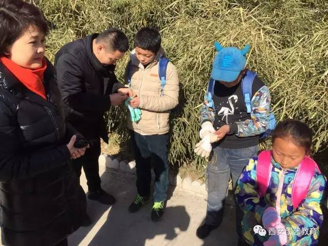 """【公益在路上】西安创艺教育参加陕西电视台举办的""""朝阳行动""""送温暖活动"""