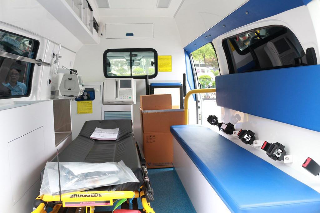 奔驰|威霆改装医疗救护车