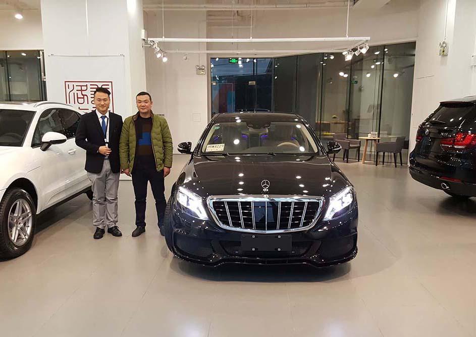 恭喜刘总提车奔驰顶级座驾迈巴赫S600