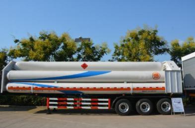 Remolque para carga en tubo largo