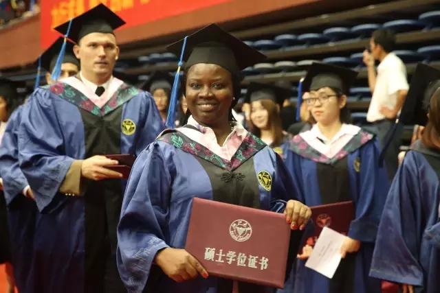 浙江大学2017届研究生毕业典礼丨从此,你是我的母校,我是你的校友