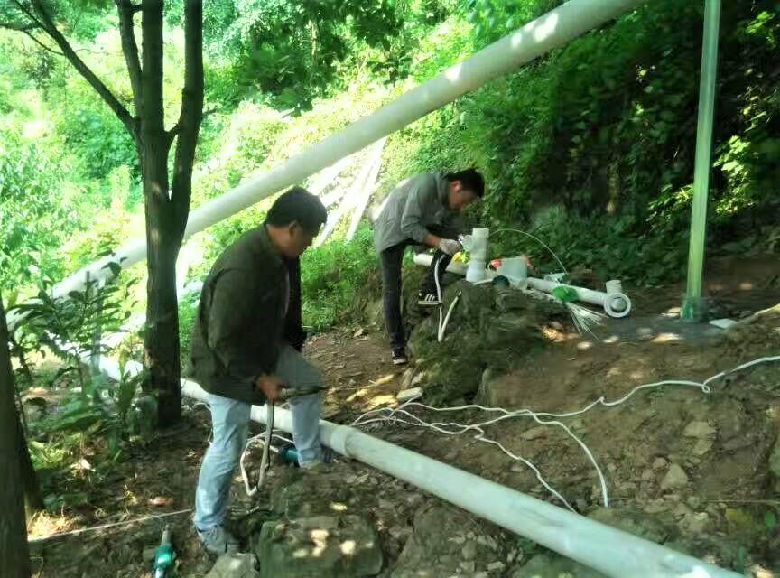 柯若环境总经理视察武当山太子坡旋流充氧污水处理项目并题诗一首
