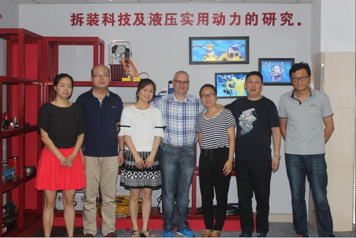 拜尔集团亚太区CEO--SCOTT先生赴中国区总部视察指导工作