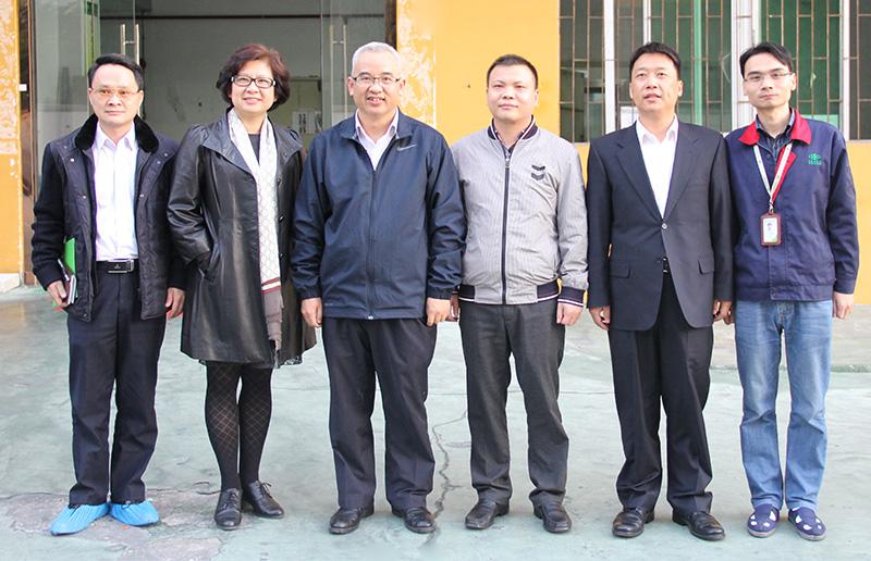 深圳市龙岗区人民政府副区长刘伟莅临万博手机版登录股份指导工作