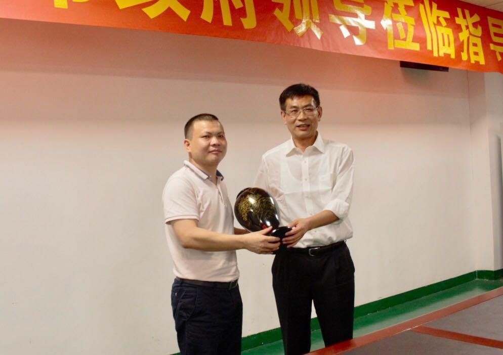 宜春市市委副书记张小平一行莅临万博手机版登录股份 关注动力电池项目