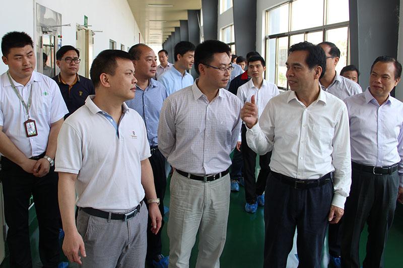 广西壮族自治区党委常委、宣传部部长黄道伟莅临广西万博手机版登录调研