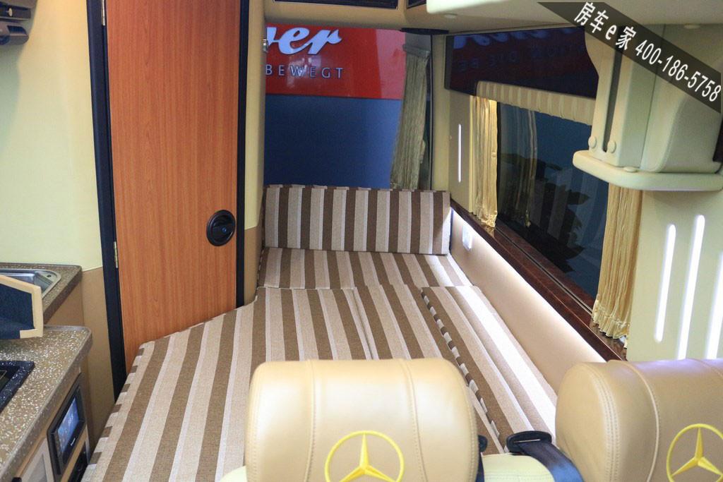 奔驰|进口斯宾特怀古旅居房车两张床