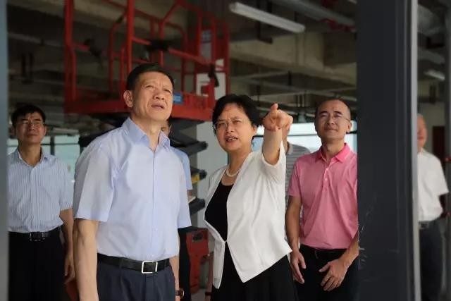 深圳市政协主席戴北方一行调研海格零售物流中心项目