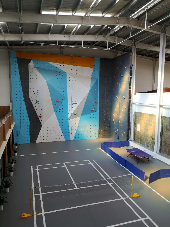 黄陂公安分局室内攀岩墙完工