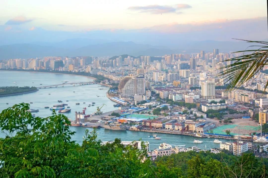 人民日报 | 把自由贸易试验区建成新时代改革开放新高地