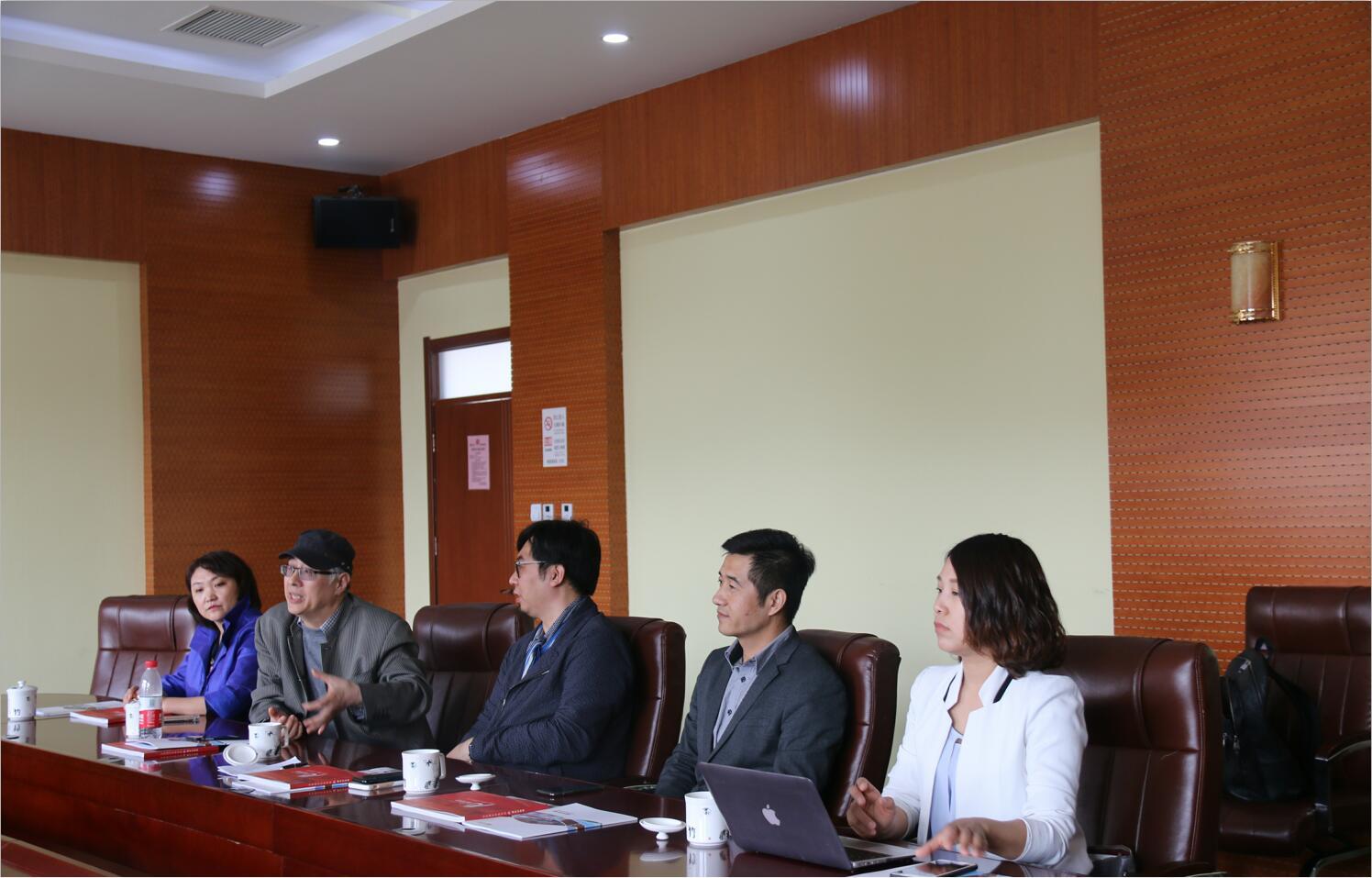 新加坡莎頓亞視傳媒藝術學院領導來我院交流訪問