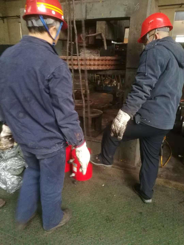 拜尔(Baier)大吨位液压千斤顶某钢厂使用现场