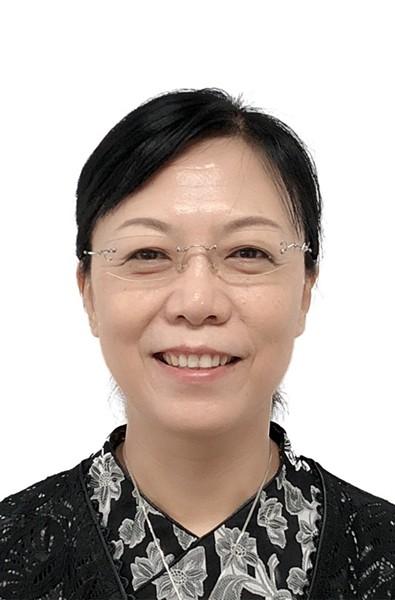 副理事长兼秘书长—张莹