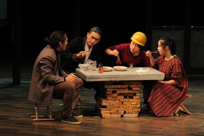 14级大戏《边缘》在实验剧场隆重上演