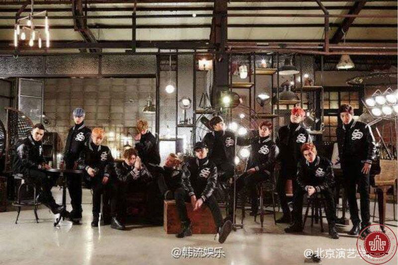 """我院学生王新宇所在""""混血""""新人男团#VARSITY#韩国出道"""
