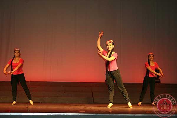 舞蹈系教学汇报演出获好评