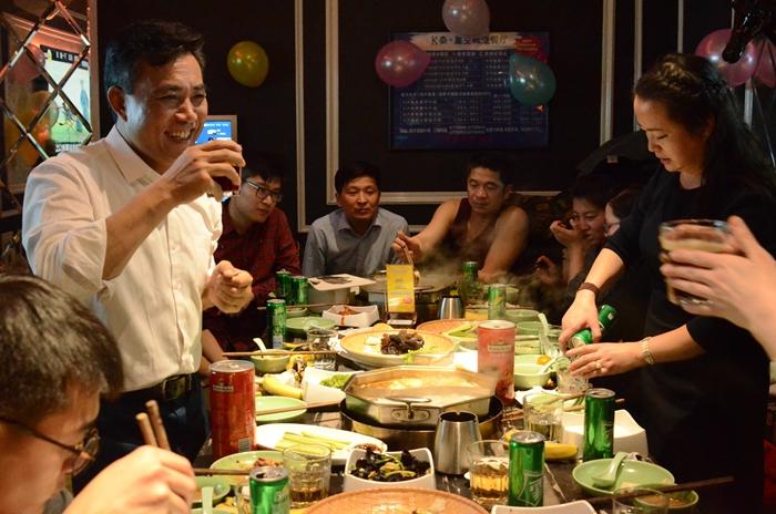 北京瑞丰兴源家具有限责任公司年会于2019年1月20日晚设宴欢聚八方好友