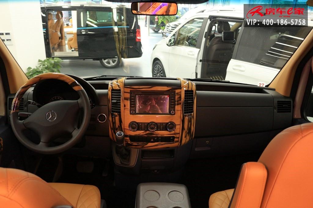 进口奔驰斯宾特外白7+2改装商务房车嫩黄色