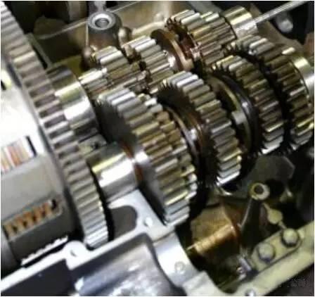 现代智能化齿轮轴硬度测试